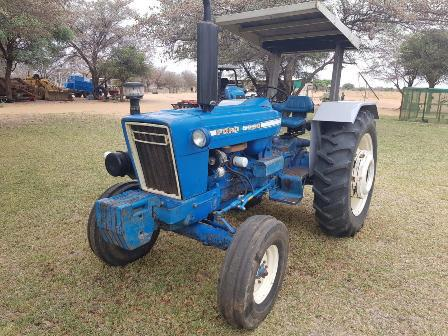 Ford 5000 tractor 4